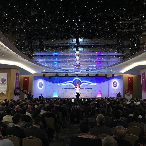 Ulaştırma Memur Sen 9. Genişletilmiş İl Temsilcileri Toplantısı Antalya Sahne Tasarımı Can Cankesen Konuşma